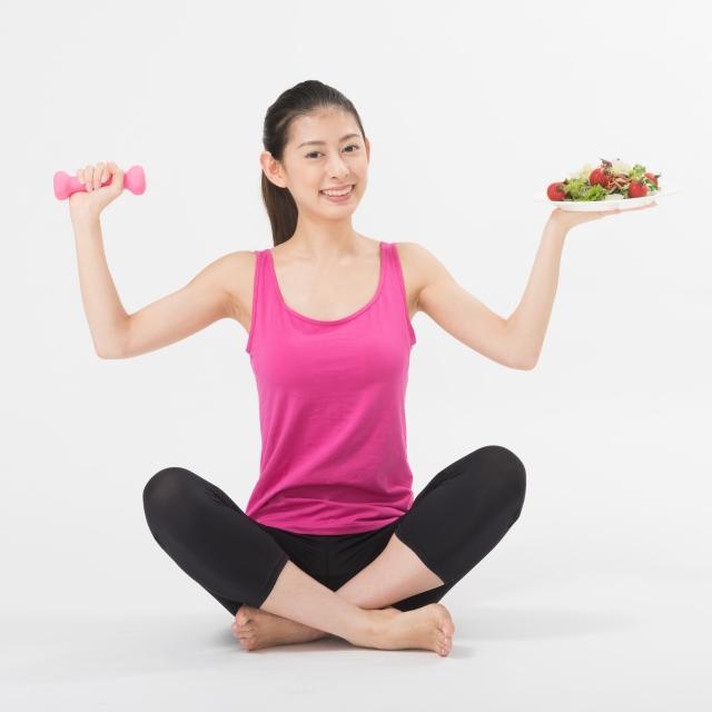 太る理由ははっきりしています。それは、「摂取カロリーが消費カロリーを上回ること」です。